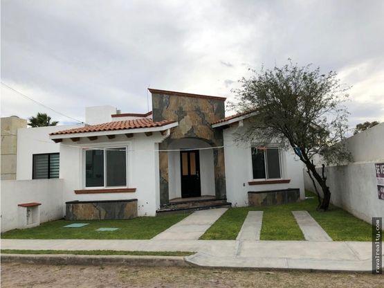 bonita y acogedora casa nueva una planta 3 recs