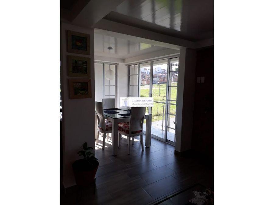 casa de tres pisos venta