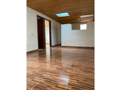 casa esquinera sector barrio colombia amplios espacios