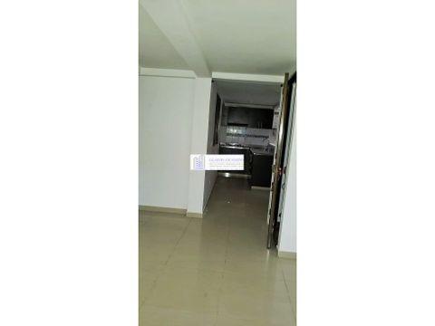 apartamento en segundo piso montecarmelo