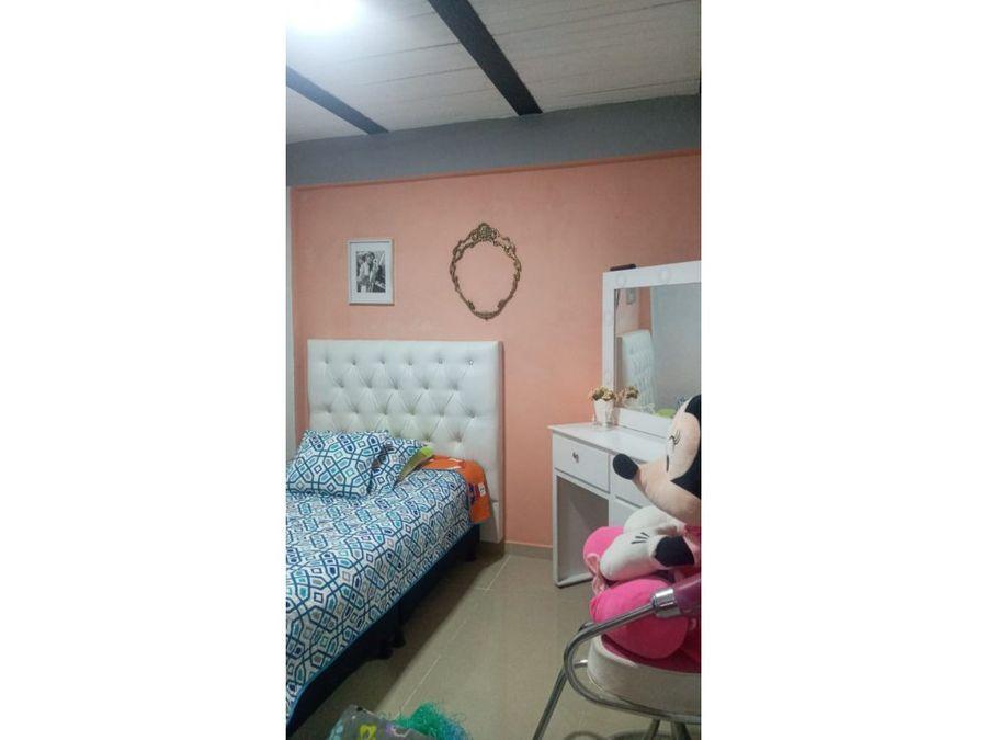 casa esquinera para la venta con plancha para segundo piso y local