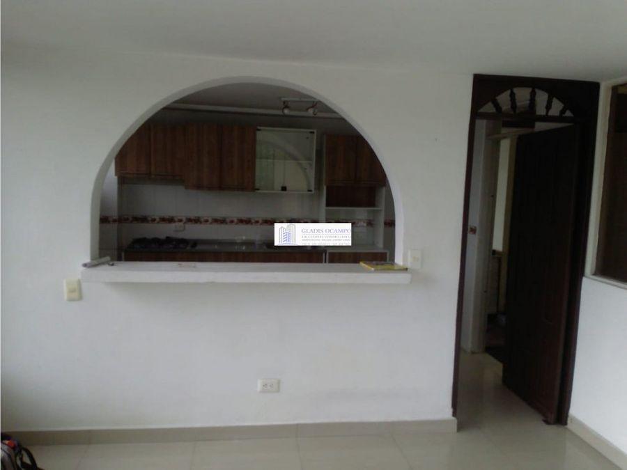 casa esquinera en corales para la venta