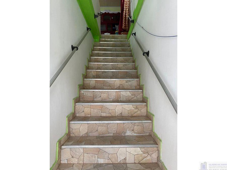 casa esquinera de dos pisos independientes