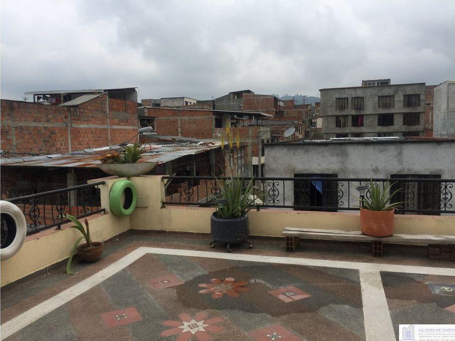 casa con local comercial barrio manantial