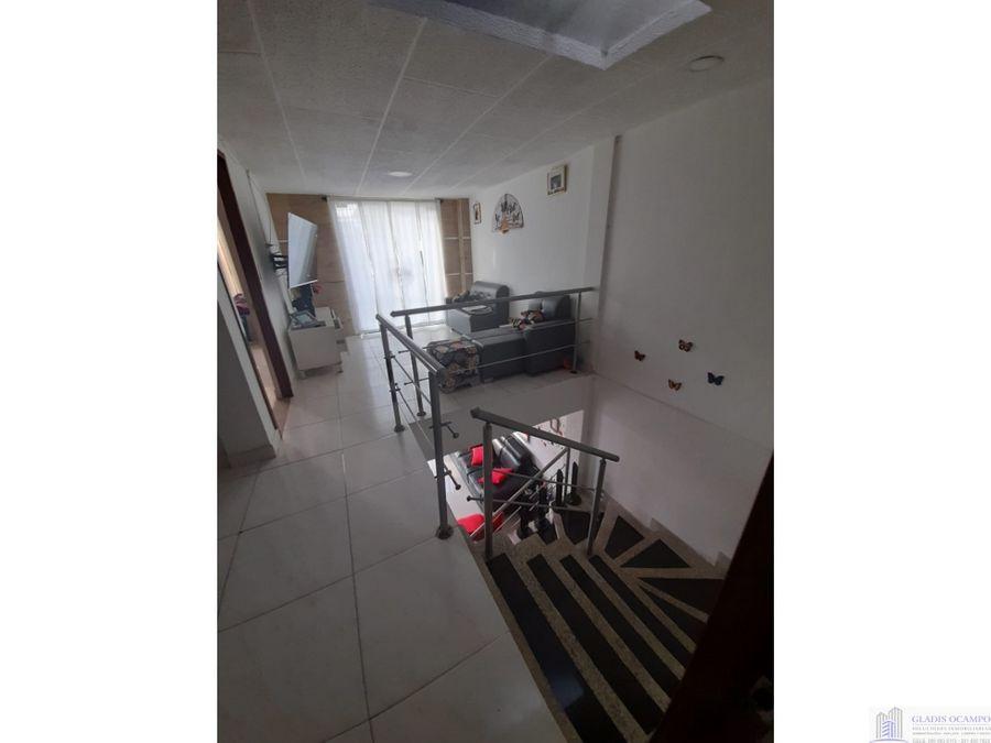 casa de dos pisos para la venta