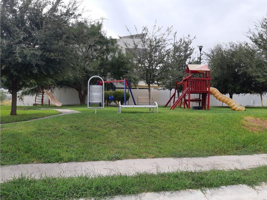 2 terrenos en la encomienda frente a parque