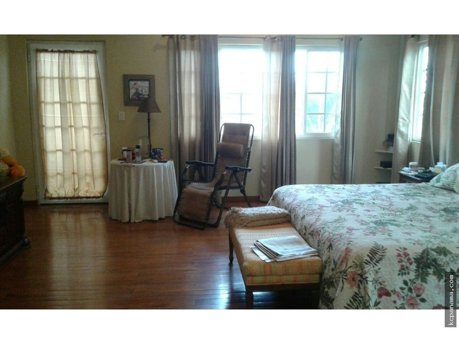 se vende familiar casa en bethania