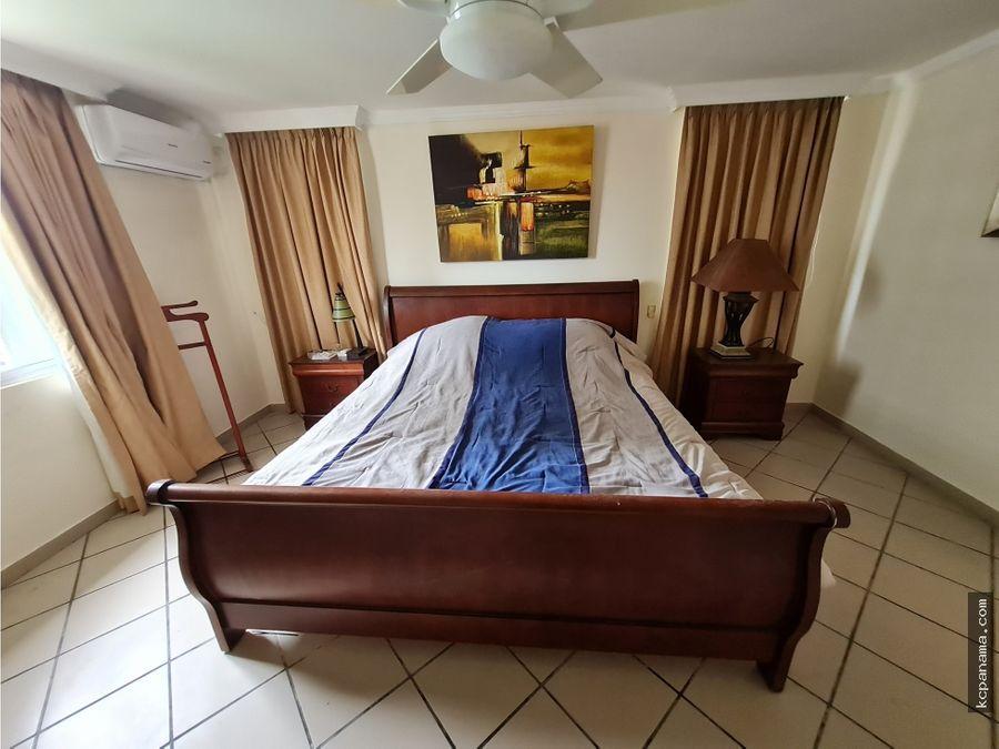 se alquila apartamento amoblado en bahia marbella