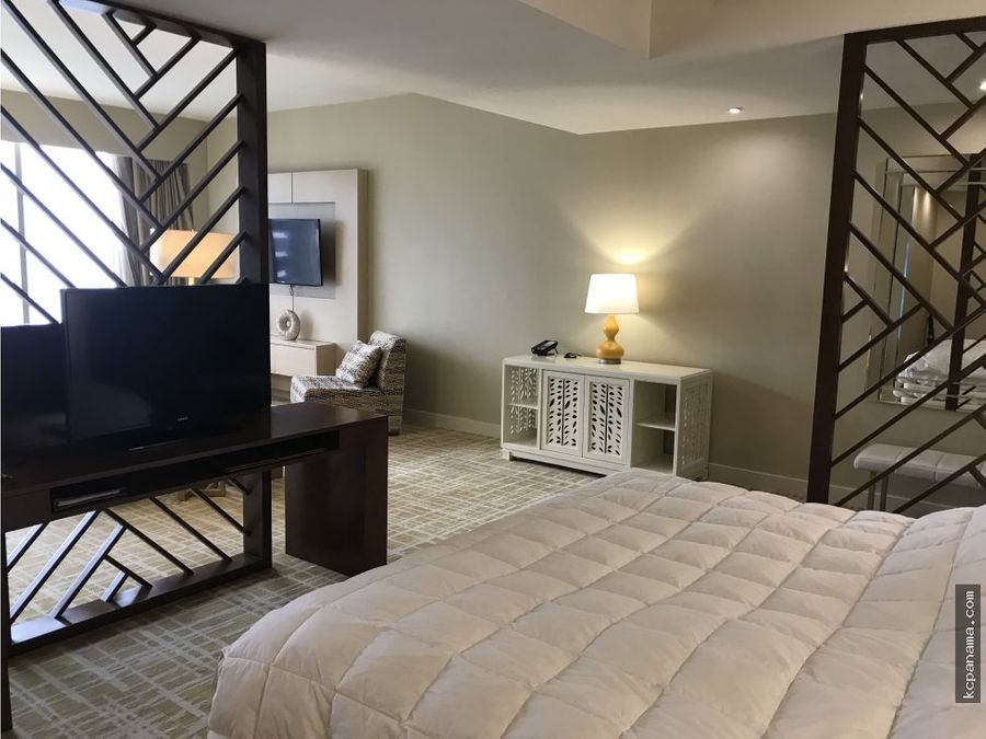 se vende bello apartamento en waldorf astoria