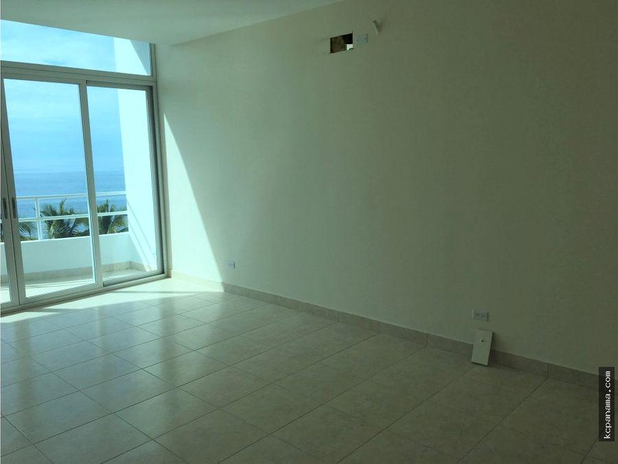 se vende apartamento en playa coronado