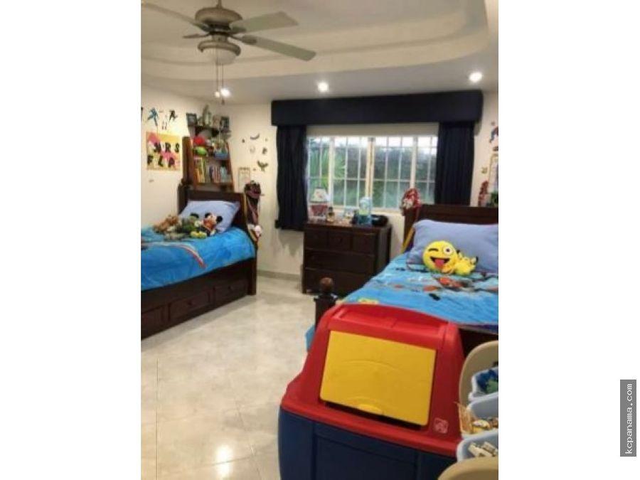 se vende familiar casa duplex en bethania