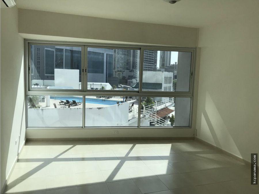 se vende comodo apartamento en av balboa grandbay