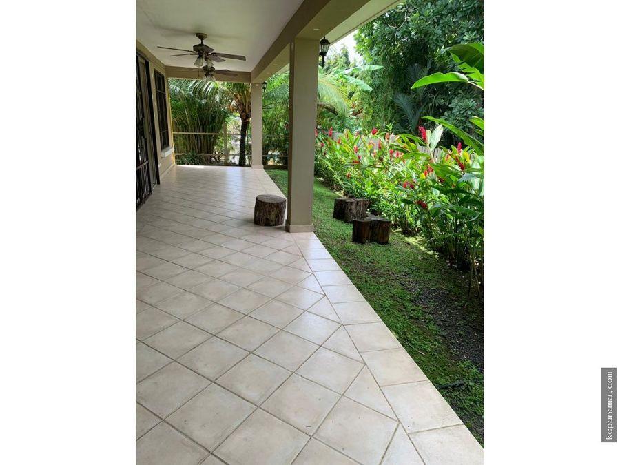 se alquila bella casa en embassy gardens