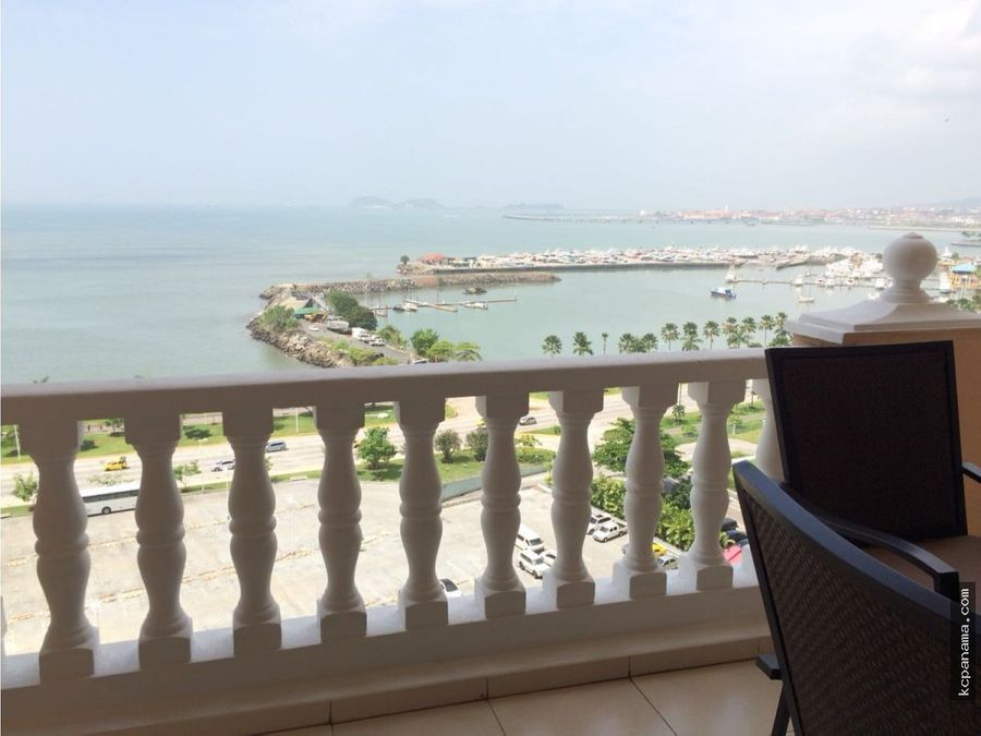 se alquila apartamento ph vista del mar con balcon avenida balboa