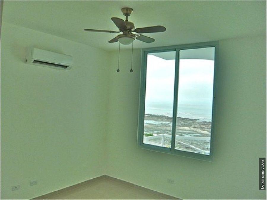 se vende espacioso apartamento en ocean drive punta pacifica