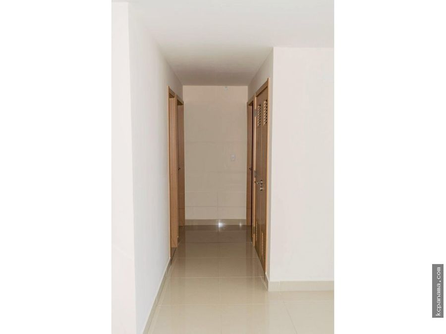 se alquila apartamento en torres de castilla