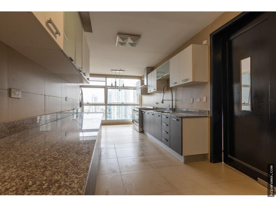 se vende espacioso apartamento en q tower punta pacifica