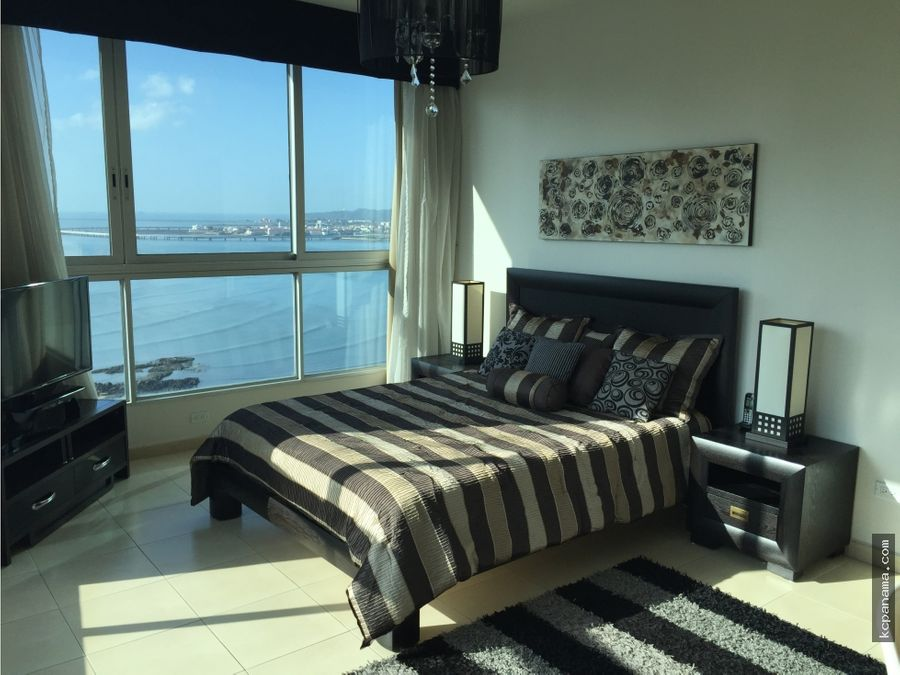 se vende exclusivo apartamento en ph grandbay tower