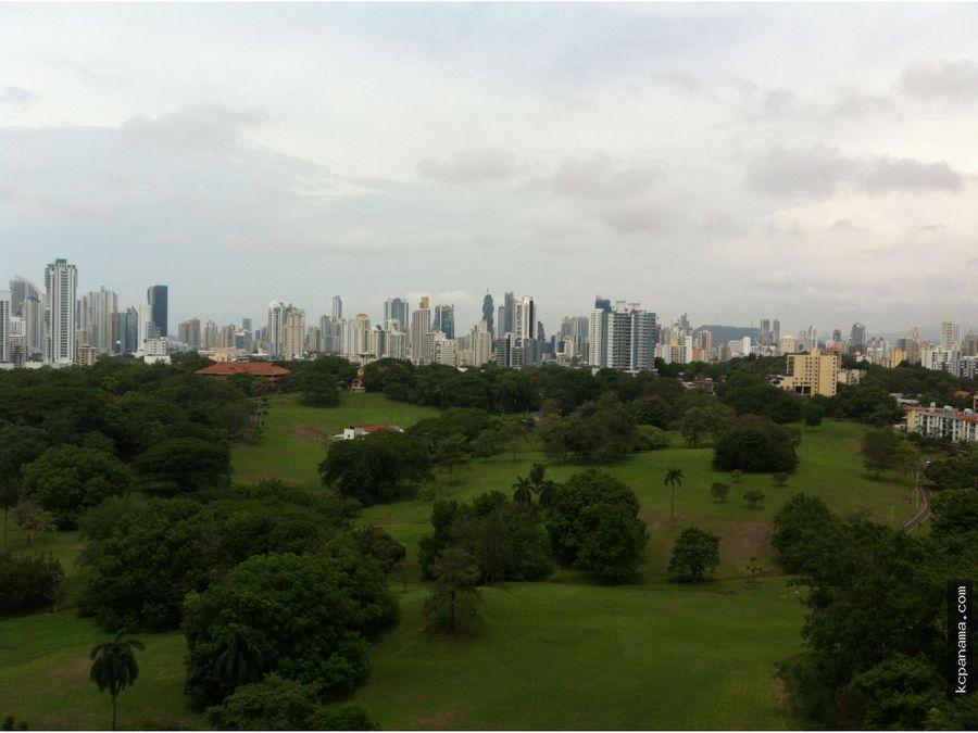 se alquila acogedor apartamento altos del golf salida al parque omar