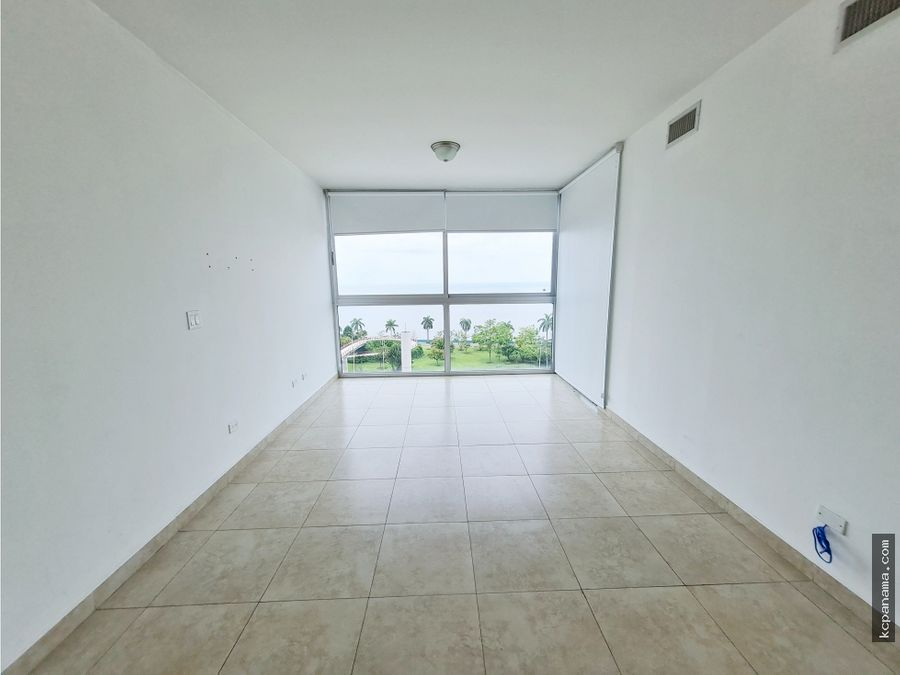 se vende apartamento ph h2o avenida balboa
