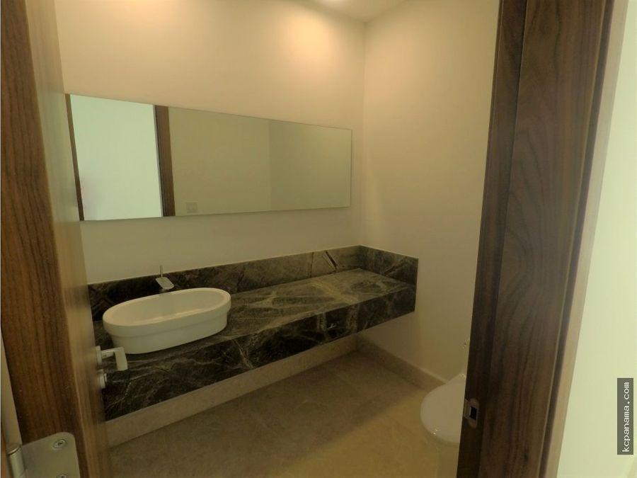 se alquila espacioso apartamento en acqua i