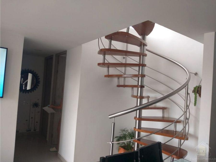 apartamento en laureles con terraza y posibilidad de ampliacion