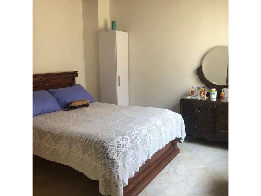 apartamento en 3er piso en la castellana buena ubicacion