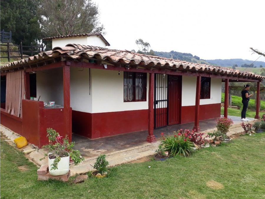 casa campestre bonita y en buen vecindario en belmira