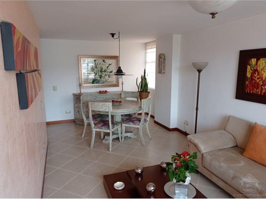 apartamento amplio muy bien cuidado y en el sector bosque de zuniga