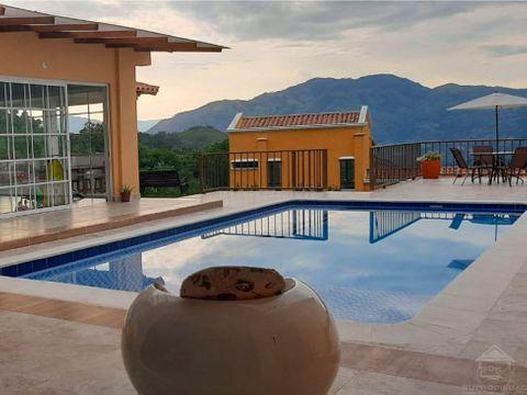 casa campestre de lujo en venecia con piscina