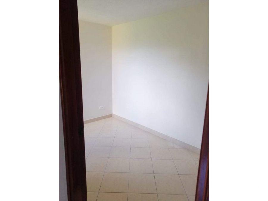 apartamento barato cerca a la loma de los bernal