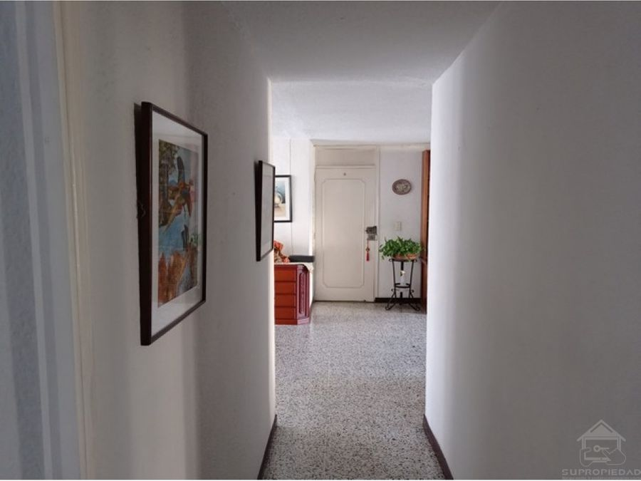 vendo inmenso apartamento para familas grandes en calazans