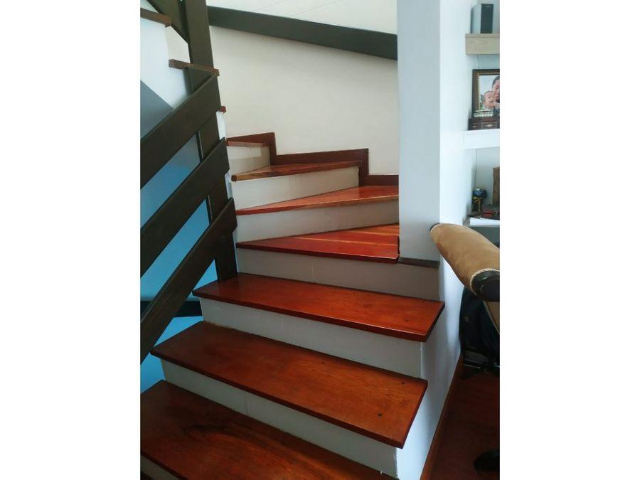 casa de 3 niveles en monteverde marinilla