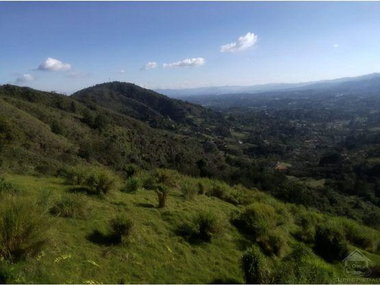 lotes en oriente con vista del valle de san nicolas