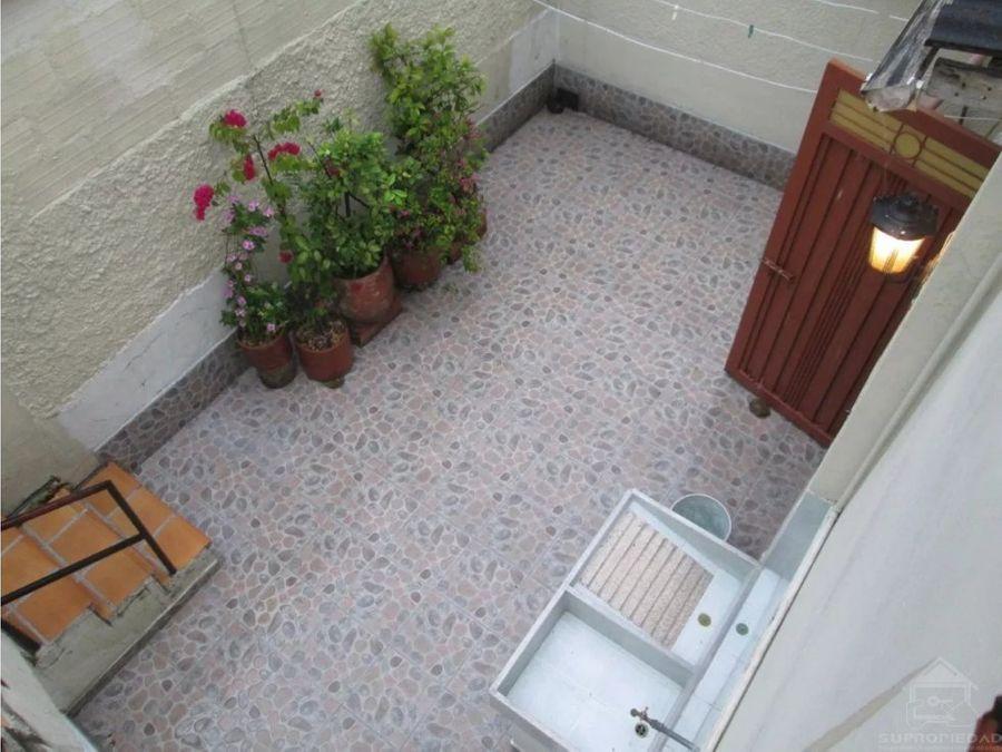 casa en segundo piso con terraza en santa monica