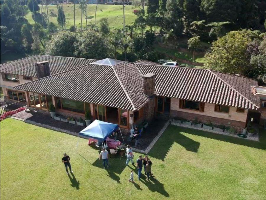 vendo casa en villa serena alto del escobero