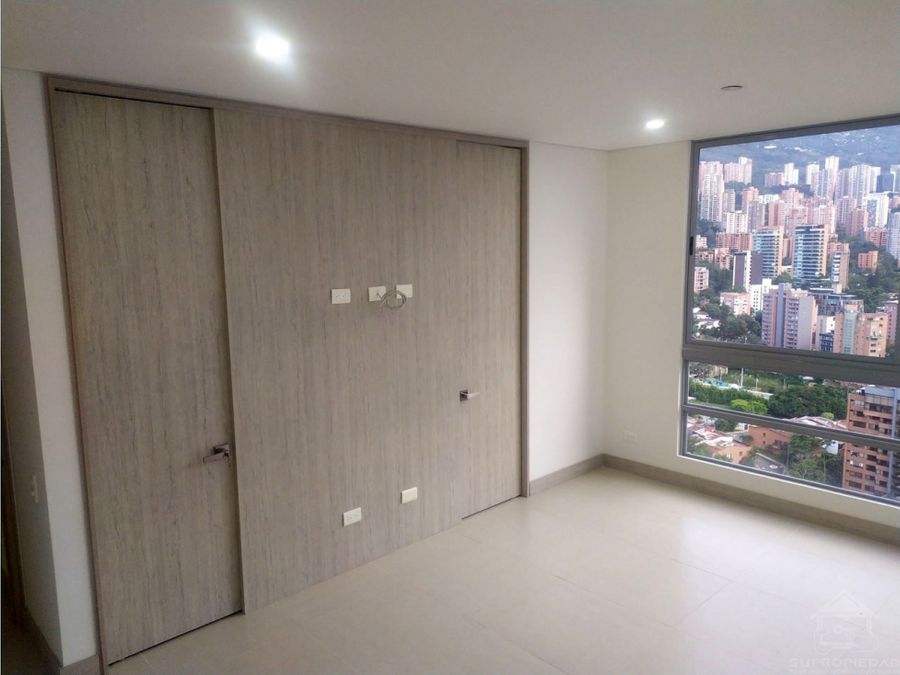 apartamento moderno y nuevo en castropol el poblado cerca san carbon