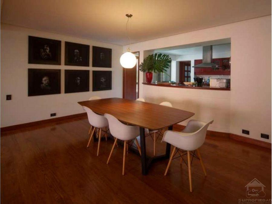 apartamento amplio y remodelado en el corazon de el poblado