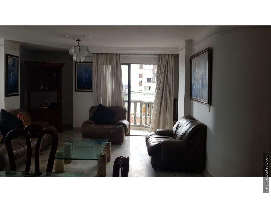 se vende amplio apartamento