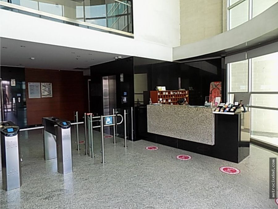 se arrienda oficina centro empresarial green gold