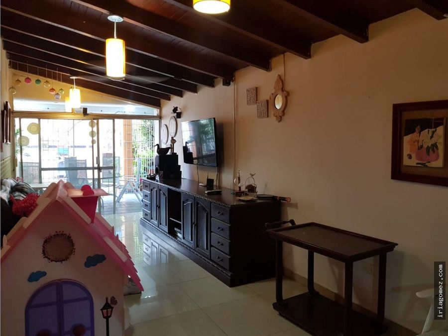 vendo casa usada barrio golf