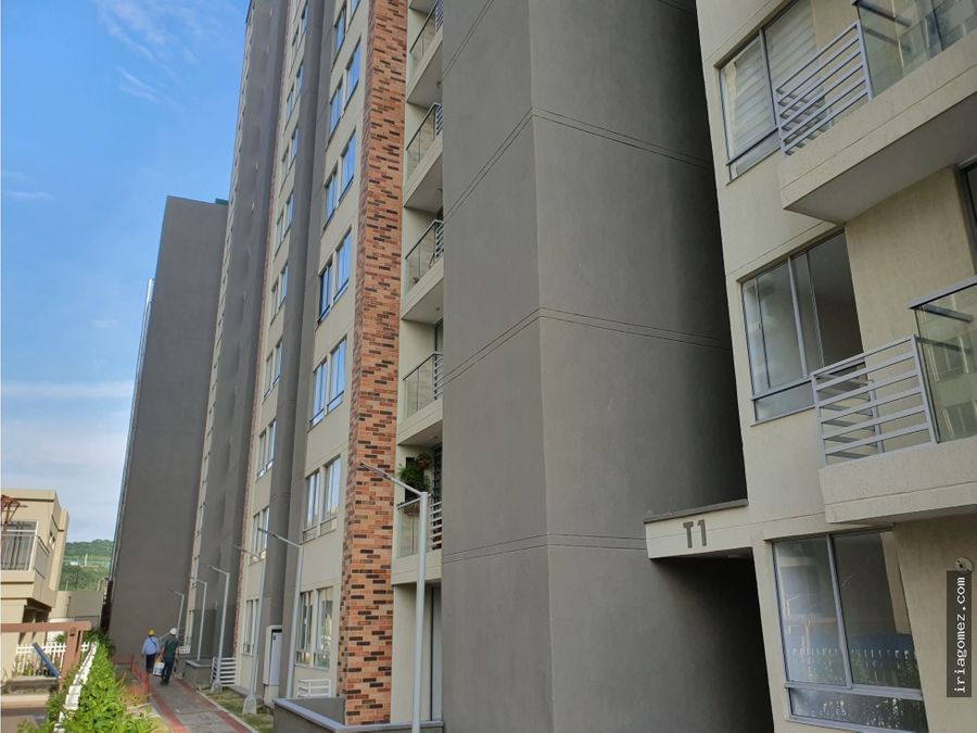 alquilo apartamento en alameda del rio barranquilla