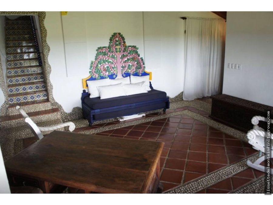 villa de estilo mexicano en casa de campo