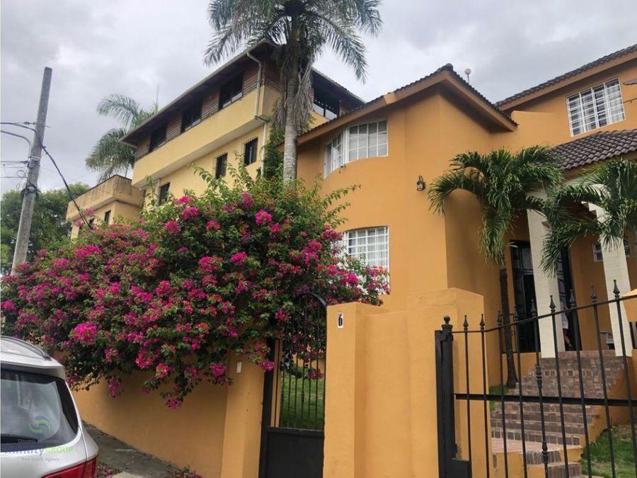 bella casa en cuesta brava