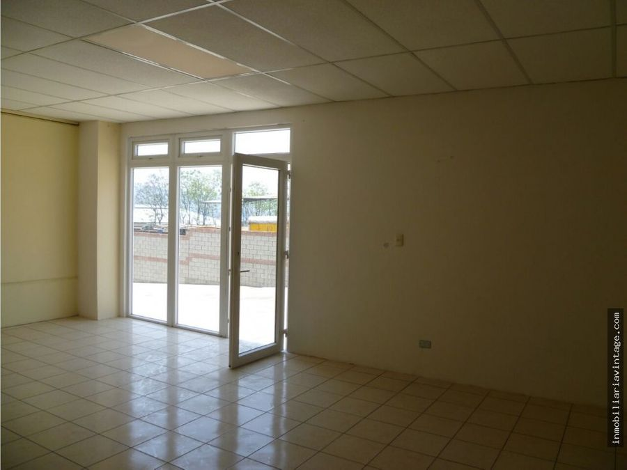 ofibodega venta forum business zona 21