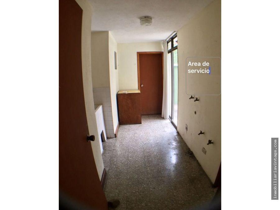 rento casa en zona 15 colonia trinidad