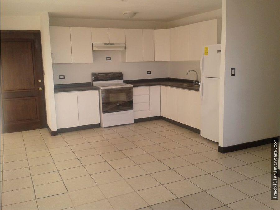 apartamento 2 dormitorios en renta zona 14