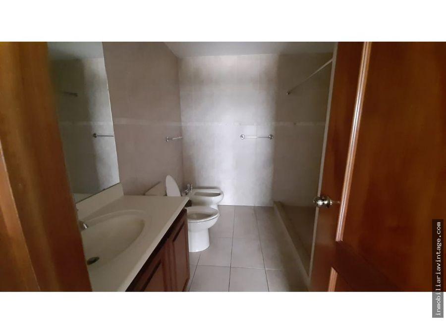 apartamento de 200 mts en renta zona 14