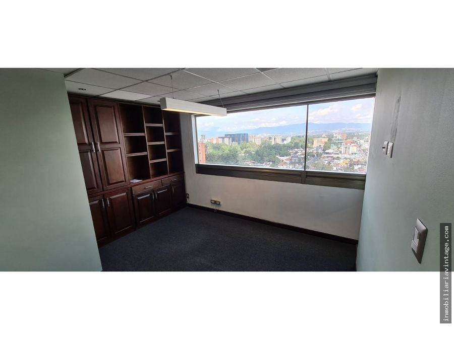 oficina en renta zona 10 ideal ubicacion