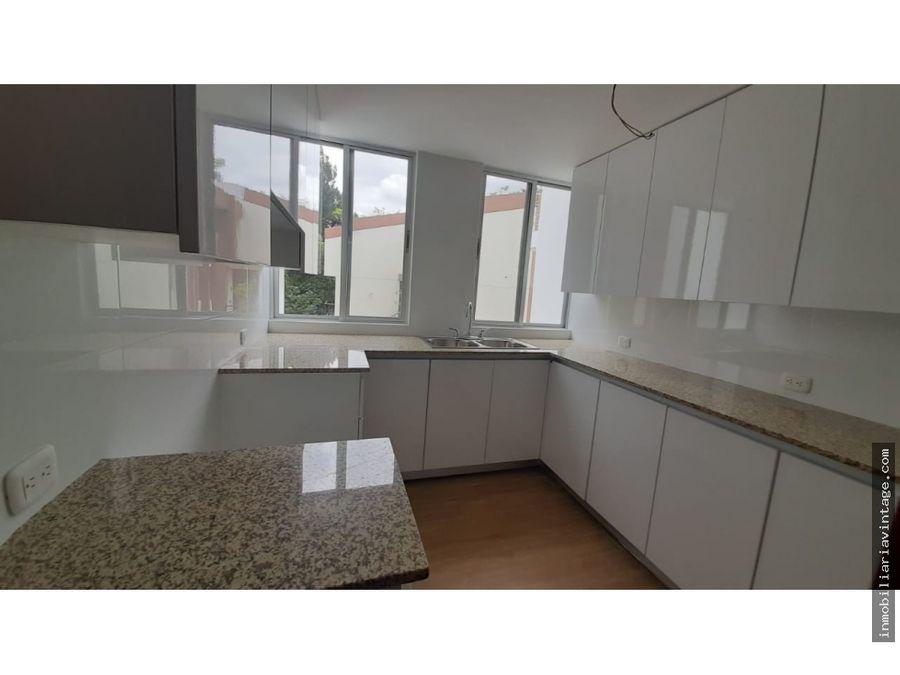 apartamento recien remodelado en venta oakland zona 10